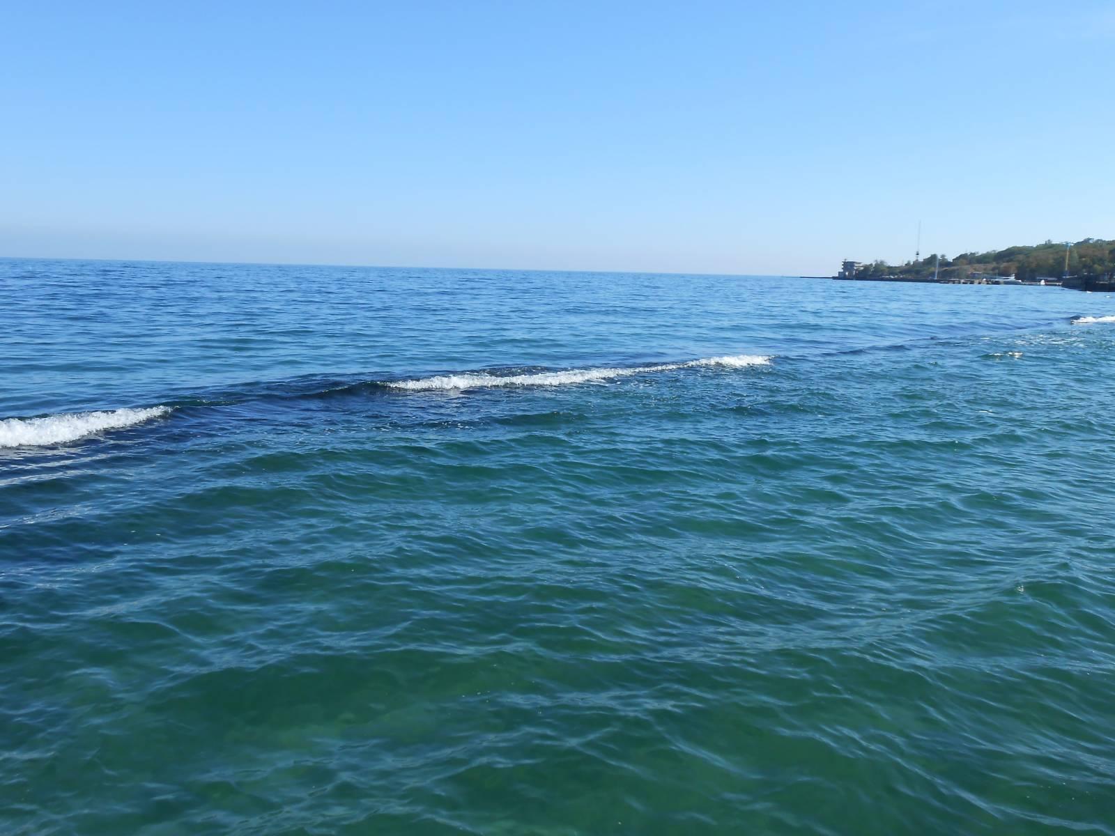 что такое волнорез на море фото кто-то